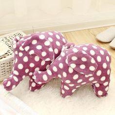 Lazy Corner - Dotted Fleece Elephant Blanket