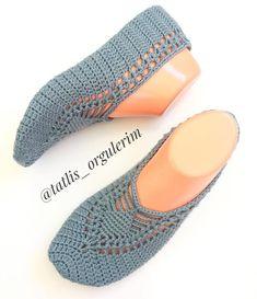 Image gallery – Page 777926535616530138 – Artofit Crochet Socks Pattern, Booties Crochet, Crochet Slippers, Baby Knitting Patterns, Loom Knitting, Knitting Socks, Crochet Purses, Crochet Doilies, Easy Crochet
