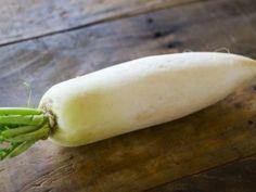 【がんこな便秘】弛緩性便秘の解消にすぐ効く「大根スープ」体臭、加齢臭も効果|ケンカツ! Carrots, Detox, Banana, Fruit, Vegetables, Food, Bananas, Veggie Food, Vegetable Recipes