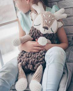 1 million+ Stunning Free Images to Use Anywhere Crochet Doily Rug, Crochet Deer, Crochet Motifs, Crochet Patterns Amigurumi, Crochet Gifts, Cute Crochet, Crochet Animals, Crochet For Kids, Knit Crochet