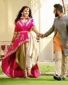 how to store indian wedding dress Indian Wedding Outfits, Indian Outfits, Wedding Dresses, Wedding Skirt, Backless Wedding, Stylish Dresses, Casual Dresses, Fashion Dresses, Indian Designer Outfits