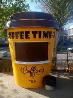 1350 $ Small Coffee Shop, Coffee Store, Coffee Shop Design, Food Cart Design, Food Truck Design, Coffee Carts, Coffee Truck, Mobile Coffee Shop, Coffee Trailer