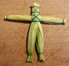 Super simple corn husk doll.