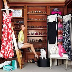 """""""Eva Longoria has so much closet space, it seems she needs a ladder to reach all of her fabulous goodies!"""" Must be nice. I wish I had such an awesome closet. Le Closet, Dressing Room Closet, Closet Tour, Walk In Closet, Closet Space, Dressing Rooms, Master Closet, Dressing Area, Dressing Screen"""