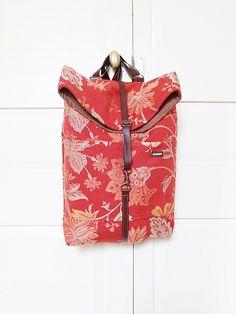 Dolo - Mochila pequeña - Bolsos made in Barcelona con telas recicladas. Moda…
