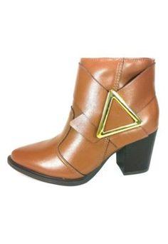 Bota Cano Curto RR Shoes Triangulo Caramelo