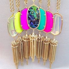 With an oversized glass pendant and long chain tassel, this Kendra Scott necklace enlivens ensembles with vintage-inspired charm. gold–plated brass/color-enhanced glass, magnesite, jade or Mothe Jewelry Box, Jewelery, Jewelry Accessories, Fashion Accessories, Jewelry Design, Jewelry Necklaces, Bling Bling, Kendra Scott Necklace, Accesorios Casual