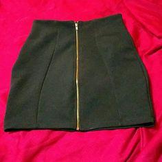 ❤Like new black skirt Like new black dressy skirt has zipper in front size xs by alt B Alt B Skirts