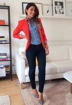 44 Casual Blazer Outfit Women Must Try, Not many people would accessorize an outfit the identical way. If you're searching to make your outfit a little more casual and just a bit grungier, t. Trajes Business Casual, Business Outfits, Business Attire, Business Chic, Business Ideas, Look Blazer, Casual Blazer, Coral Blazer Outfits, Jean Shirt Outfits