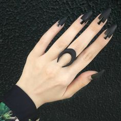 Gothic Nails Add some edge to your nails with gothic inspired designs. Not sure where to start? We have 40 gothic nail designs to give you gorgeous ideas to try for yourself Love Nails, How To Do Nails, Pretty Nails, My Nails, Bling Nails, Stiletto Nails, Nail Art Designs, Black Nail Designs, Nails Design