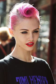 (girl,model,pretty,gorgeous,pink,pink hair,red lips,makeup,make up,jimi hendrix)