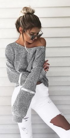"""@kelsrfloyd ☁️ Just lounging about in @dollygirlfashion Deets """"Coyote Knit"""""""