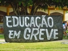 JORNAL O RESUMO - EDUCAÇÃO JORNAL O RESUMO: Professores enfrentam justiça e permanecem em grev...