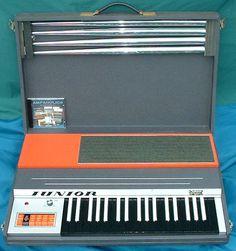 Vox junior combo organ.  Oh hims ez a so schmall!!