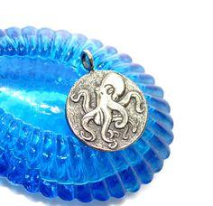 Octopus Silver Medallion, Ship Wheel, Sea Creature, Nautical Design, Ocean, Silver Octopus pendant necklace, men and women necklace