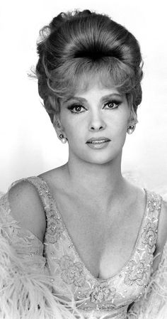 Gina Lollobrigida - Photo by Silver Screen Collection