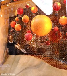 fall retail window display pictures | ... Dynamic Retail Window Displays – Part 1 | The Mannequin Madness Blog
