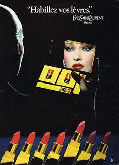 PUBLICITE 1980 HABILLEZ VOS LEVRES cosmétiques YVES SAINT LAUREN