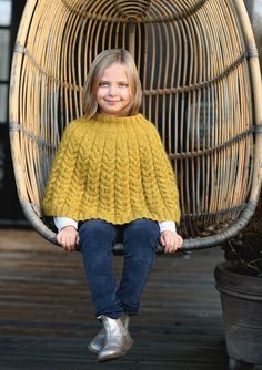 1701 Sisu. Strikket Fletteponcho Tweed, Knit Crochet, Knitting, Google Search, Threading, Tricot, Breien, Ganchillo, Stricken