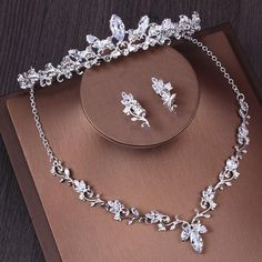 Wedding Jewelry Sets Brilliant Crystal Women Headwear Jewelry Set Necklace Earrings 2018 Silver Wedding Crowns Tiaras Headpieces Bridal Accessories Yesterday s price US 21 45 19 Jewelry For Wedding Wedding Jewelry Ideas For Bride Pearls Silver Wedding Crowns, Wedding Jewelry Sets, Wedding Tiaras, Silver Weddings, Wedding Necklace Set, Bride Necklace, Nameplate Necklace, Silver Jewelry, Fine Jewelry