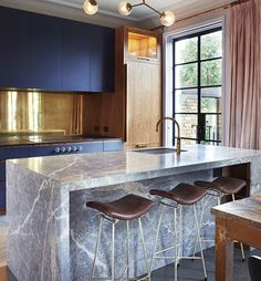 Rachel Chudley Inter Rachel Chudley Interior Design are known for creative interiors with a distinct use of colour and texture. Kitchen Countertop Materials, Wood Kitchen Cabinets, Kitchen Countertops, Kitchen Backsplash, Rustic Kitchen, Kitchen Decor, Kitchen Design, Refinish Countertops, Light Wood Kitchens