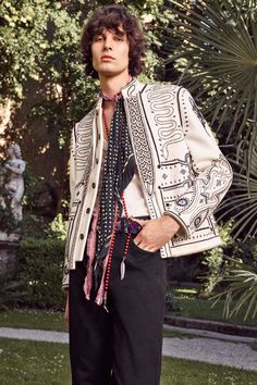 See the complete Roberto Cavalli Spring 2017 Menswear collection.