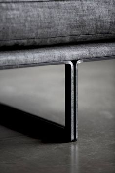 There are a number of kinds of contemporary sofa in the furniture industry. Generally, every sofa design is offered in an assortment of a variety of sizes and configurations to fit your needs. Steel Furniture, Sofa Furniture, Furniture Design, Metal Furniture Legs, Luxury Furniture, Sofa Design, Montauk Sofa, Joinery Details, Steel Detail