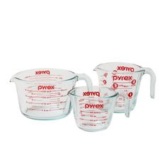 Add a measure of consistency to your kitchen with sturdy and easy-to-read Pyrex glass measuring cups. Measurement indicators and the easy to grab handle are designed to make it easy to mix, measure and pour. Whether you are preparing a multi-course meal or simply a snack for one, Pyrex offers products which make food preparation a little easier from beginning to end. There's no substitute for Pyrex, the original glass bakeware. Introduced 90 years ago and made of a durable, high temperature…