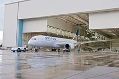 Here comes the Dreamliner: United Airlines unveils its new Boeing 787 plane