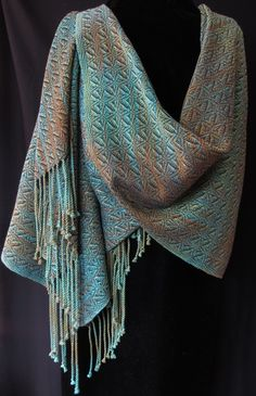 oh, to be able to weave like this...Handwoven Shawls lucy slykerman.ca