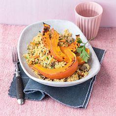 Gebackene Kürbisspalten mit Gemüse-Couscous Rezept | Küchengötter
