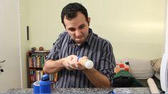 Com alguns ingredientes muito comuns é possível fazer uma bazuca atiradora de bolinhas de pingue pongue. Os materiais necessários são: – Tubo