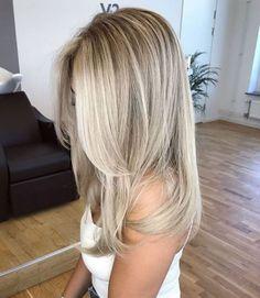Haircuts For Thin Fine Hair, Cool Haircuts, Straight Hairstyles, Hairstyle Short, Hair Updo, Curly Hair, Short Hair, Medium Blonde Haircuts, Haircuts For Medium Length Hair Straight