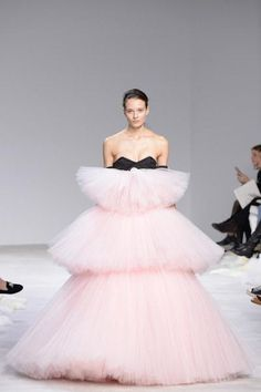 Giambattista Valli Spring 2016 Couture Collection