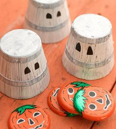 Small buckets and Halloween candy is all you need to make a fun party game. Learn how to play: http://www.bhg.com/halloween/parties/kids-carnival-party-for-halloween/#page=14