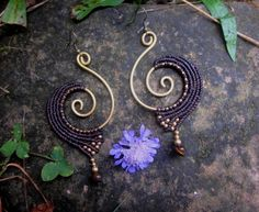 Spiral brass earrings with macrame design, brass beads and tiger eye beads.  Length: 3.5