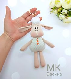1 million+ Stunning Free Images to Use Anywhere Fabric Doll Pattern, Fabric Dolls, Sewing Stuffed Animals, Stuffed Animal Patterns, Easter Crafts, Felt Crafts, Primitive Doll Patterns, Homemade Dolls, Baby Sewing Projects