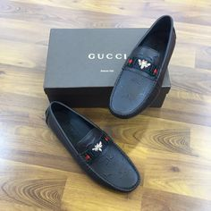 Oxfords Vs Brogues, Mens Loafers Shoes, Mens Shoes Boots, Mens Boots Fashion, Loafer Shoes, Formal Shoes For Men, Best Shoes For Men, Gucci Mens Sneakers, Sneakers Fashion