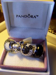 Pandora Fascinating Black White Beads Disney Mickey Mouse Charms Gift Set
