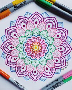 """ hagamos fácil lo difícil y posible lo imposible. _ _ _ _ hagamos fácil lo difícil y posible lo imposible. Mandala Doodle, Mandala Art, Easy Mandala Drawing, Doodle Art Drawing, Simple Mandala, Geometric Mandala, Zentangle Drawings, Pencil Art Drawings, Art Drawings Sketches"