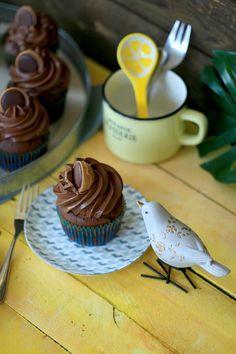 Csokis Toffifee muffin   Street Kitchen Muffins, Panna Cotta, Cake Recipes, Pudding, Cupcakes, Street, Ethnic Recipes, Kitchen, Food