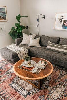 How To Style A Vintage Mini Rug / vintage boho living room Living Room Grey, Rugs In Living Room, Living Room Designs, Living Room Decor, Living Room Vintage, Living Room Styles, Living Room Inspiration, Home Decor Inspiration, Decor Ideas