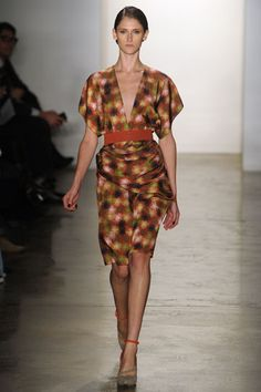 Gorgeous draping, fab colors at #costellotagliapietra for fall. #nyfw