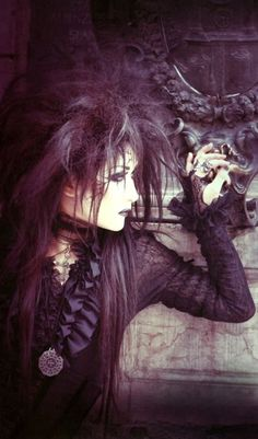 Mana, from Malice Mizer/Moi Dix Mois Gothic Art, Victorian Gothic, Gothic Girls, Gothic Lolita, Gothic Rock, Dark Gothic, Gothic Steampunk, Steampunk Clothing, Gothic Dress