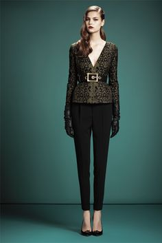 Gucci New York - Pre-Fall 2013 2014 - Shows - Vogue. Foto Fashion, Fashion Week, Fashion Show, Womens Fashion, Fashion Design, Runway Fashion, Style Fashion, High Fashion, Don G