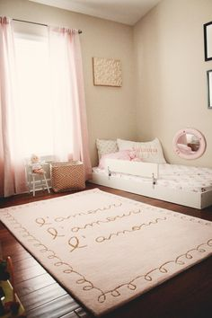 How to Prepare a Montessori Baby Room Toddler Floor Bed, Toddler Rooms, Low Toddler Bed, Toddler Trundle Bed, Girl Toddler Bedroom, Ikea Toddler Bed, Big Girl Bedrooms, Little Girl Rooms, Boy Rooms