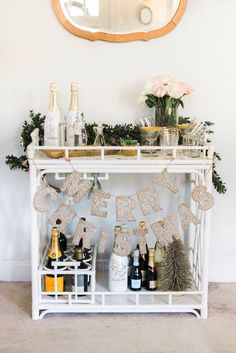 Bar Cart Ideas - There are some cool bar cart ideas which can be used to create a bar cart that suits your space. Having a bar cart offers lots of benefits. This bar cart can be used to turn your empty living room corner into the life of the party. Diy Bar Cart, Gold Bar Cart, Bar Cart Styling, Bar Cart Decor, Bar Carts, Home Design, Interior Design, Outside Bars, Home Bar Decor