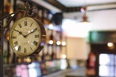 Taberna gastronómica La Elisa | Grupo Triciclo Madrid Restaurants, Pocket Watch, Accessories, Tricycle, Group, Restaurants, Pocket Watches, Jewelry Accessories