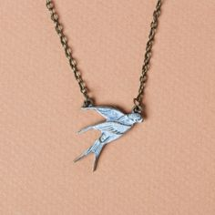 Wear this petite bird for luck, and layer it with other necklaces for a personalized, voluminous style!