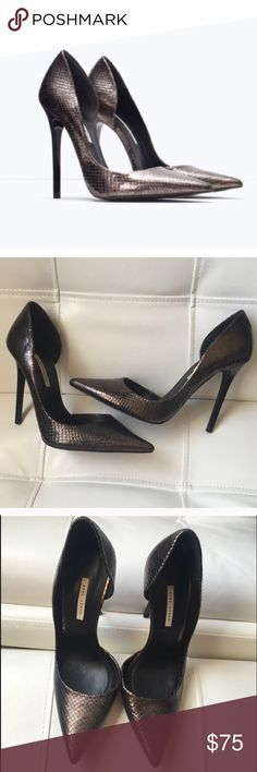 Zara Embossed Leather Snakeskin Pumps Excellent condition - very gently used. No visible signs of wear aside from normal wear on inside and bottoms of shoes. Size 38. Leather insoles and upper. Comes with box. Gunmetal/dark silver snakeskin appearance. REASONABLE OFFERS ACCEPTED::)) 🚫NO TRADES PLEASE🚫 Zara Shoes Heels